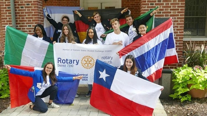 christina with rotary exchange students from us